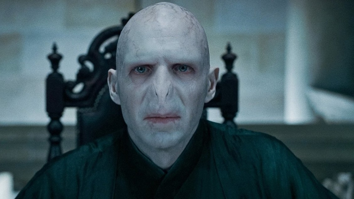 Seated_Voldemort