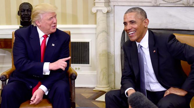 Påtroppende president Donald Trump møtte torsdag for første gang Barack Obama, i Det hvite hus.