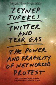 """Zeynep Tüfekçis siste bok """"Twitter and Tear gas""""."""