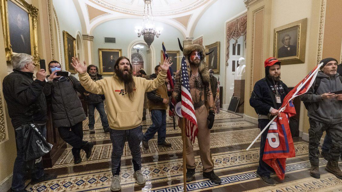 Hvem er menneskene som stormet Capitol Hill