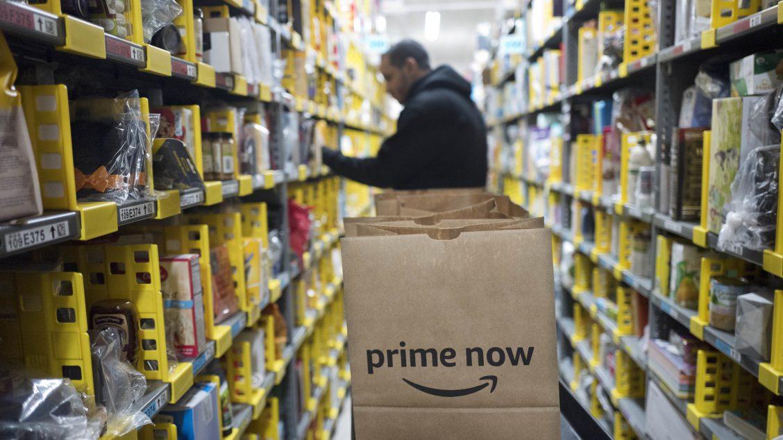Amazon har fått voldsom kritikk for dårlige arbeidsforhold og fagforeningsknusing. Det kommer snart til et lager nær deg, skriver Stian Bromark.